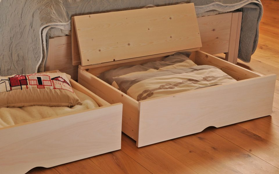 Under bed storage hudson queen bedroom suite storage bed with under bed storage on one side Queen bedroom sets with underbed storage