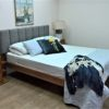 upholstered headboard bed